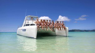 Whitsunday sailing on powerplay, Queensland Australia